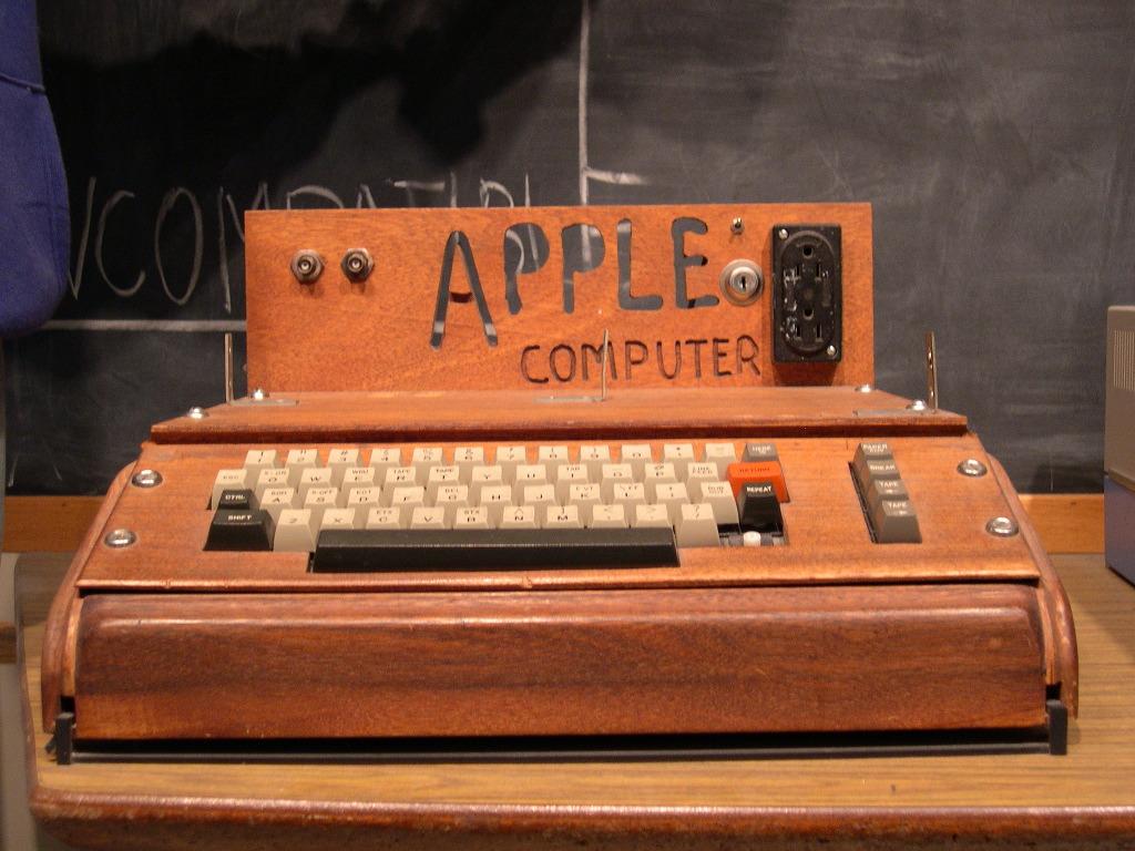 Shitet kompjuteri i parë nga Apple për 365.000 dollarë